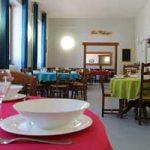 Refuge hébergement intérieur repas séjour vacances
